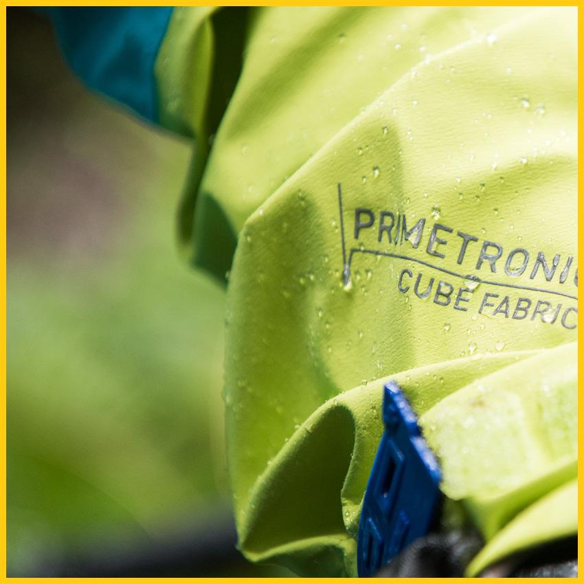 Auschnitt der CUBE Primetronic AM STORM Regenjacke auf dem Ilmtalradweg durchgeführt vom Werra Bikes