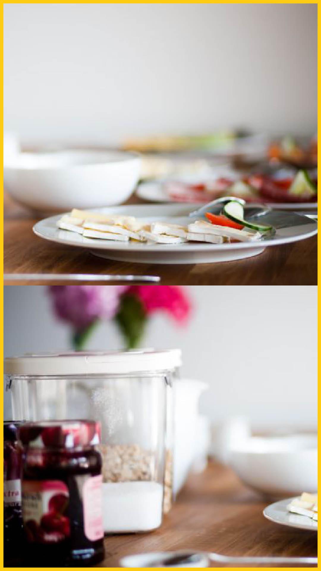 Käse- und Wurstplatten, Marmelade und Flakes als Frühstücksangebot im velo inn Bad Berka auf dem Ilmtalradweg durchgeführt vom Werra Bikes